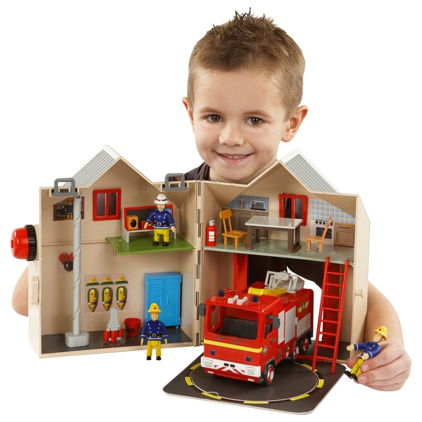 Fireman Sam 13 Piece Deluxe Fire Station Playset