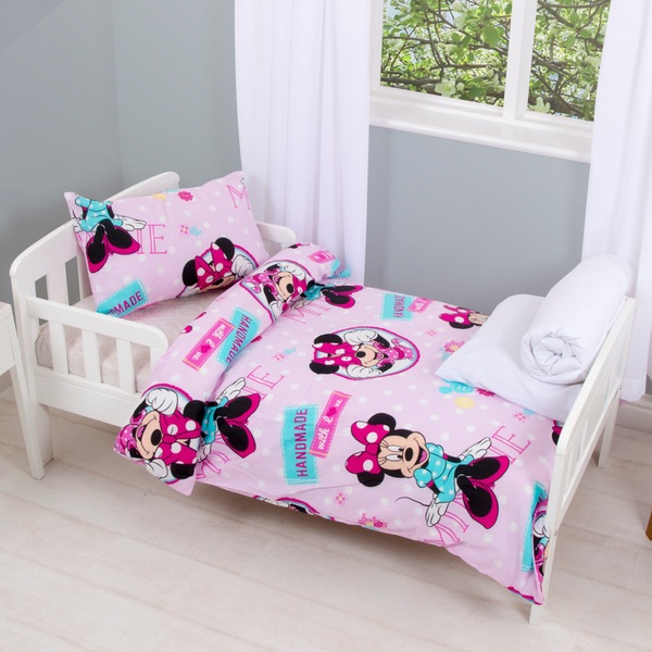 Minnie Mouse 4 Piece Junior Bedding Bundle