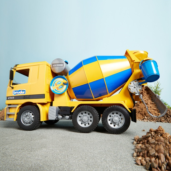 Bruder Mercedes Benz Actros Cement Mixer