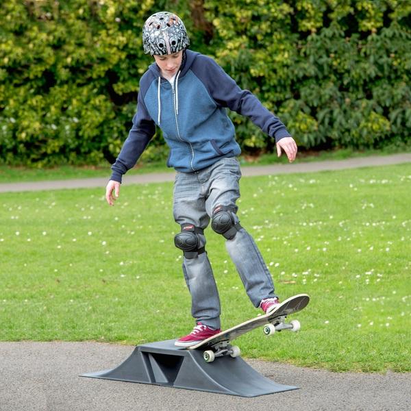 Mini Skating Ramp Set