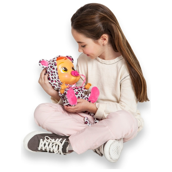Cry babies lea dolls uk for Porte bebe toys r us
