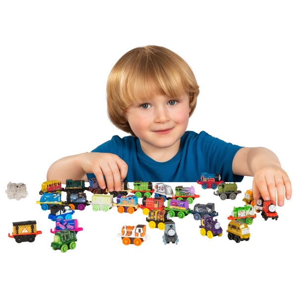 Thomas & Friends Minis Toy Engine 30 Pack Assortment