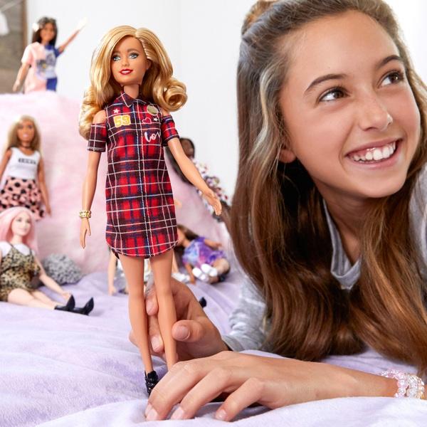 Barbie Fashionistas Doll – Patched Plaid