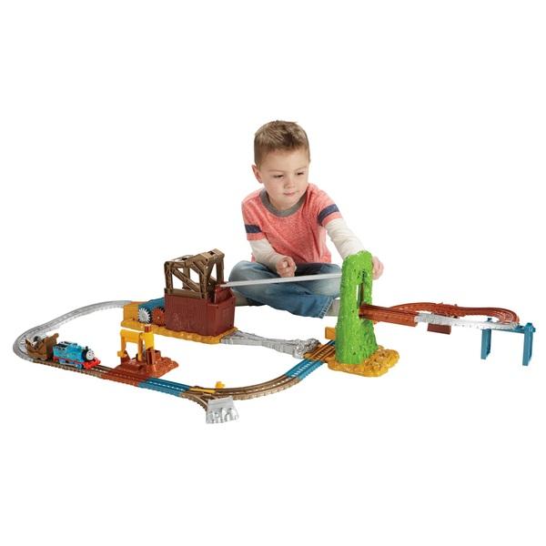 Thomas & Friends TrackMaster Scrapyard Escape Train Set