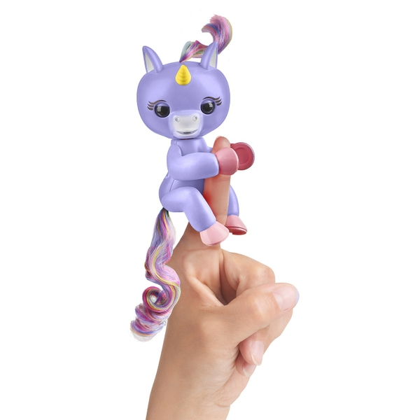 Fingerlings Baby Unicorn - Alika (Purple with Rainbow Mane and Tail)