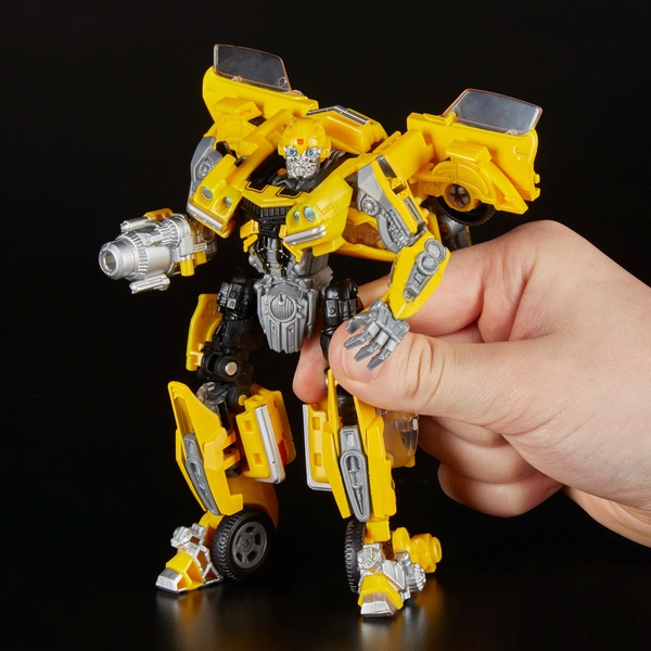 Transformers Studio Series 01 Deluxe Class Transformers Movie Bumblebee