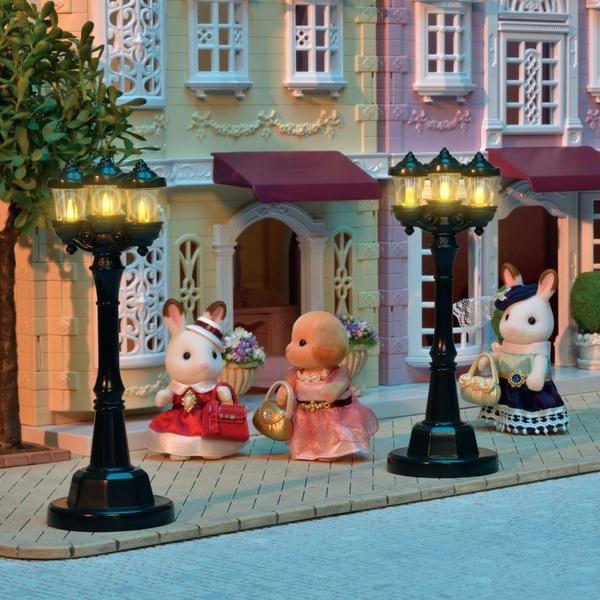 Sylvanian Families - Town Series - Light Up Street Lamp