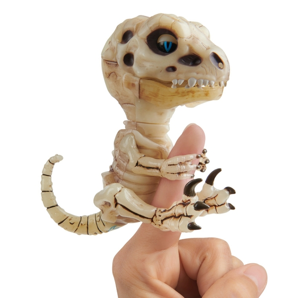 Untamed Bonehead Skeleton Raptor by Fingerlings – Gloom (Sand)