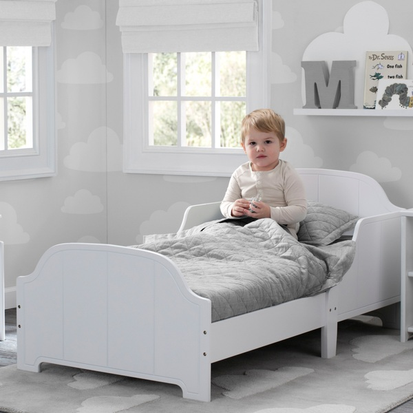 Delta Children Toddler Bed White