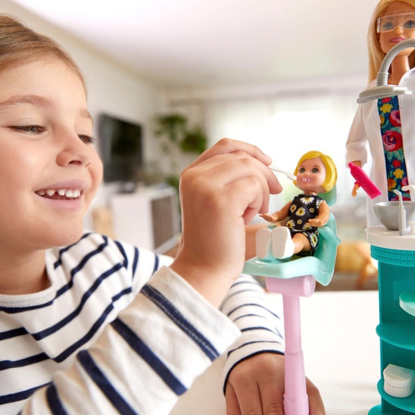 Career Barbie Dentist Doll and Playset