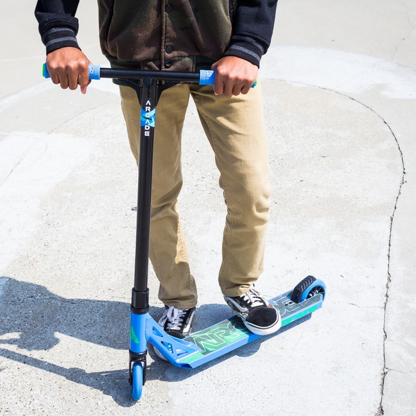 Arcade Stunt Scooter by Fuzion