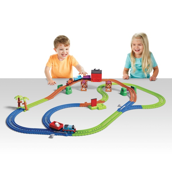 Thomas and Friends TrackMaster Tropical Cargo - Nia and Thomas