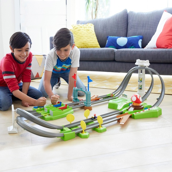Hot Wheels Mario Kart Mario Track Set