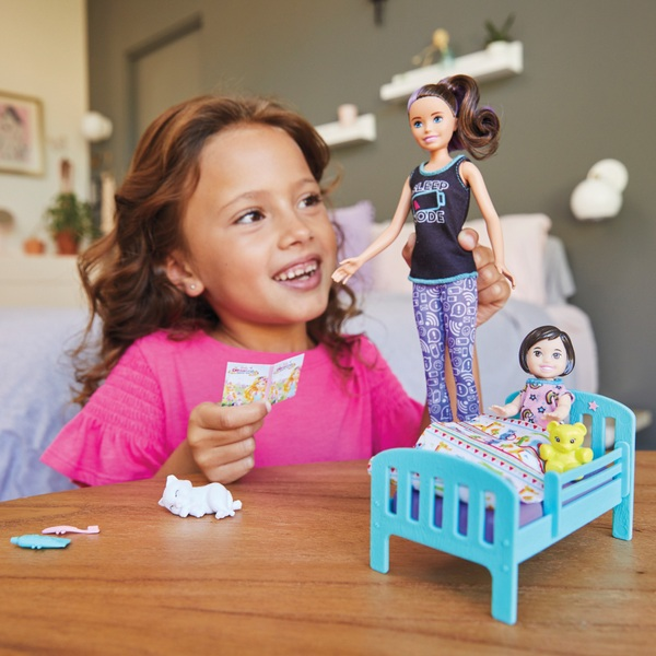 Barbie Skipper Babysitters Bedtime Playset Doll and Accessories