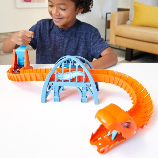 Hot Wheels City Viper Bridge Attack Car Play Set