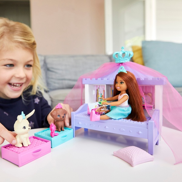 Barbie Princess Adventure Chelsea Doll and Playset