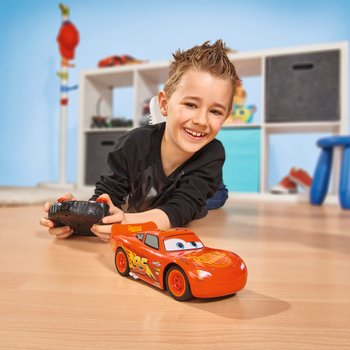 Disney Pixar Cars 3 1:24 RC Turbo Racer Lightning McQueen