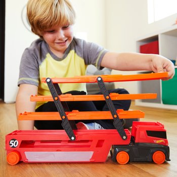 Very Cool Hot Wheels Tracks and Cars @ Smyths Toys Superstores