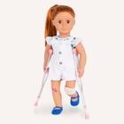 Our Generation - Puppenoutfit mit Krücken