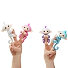 WowWee - Fingerlings Glitzer Roboter-Affe, Amelia (Türkis Glitzer)