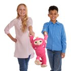 WowWee - Fingerlings interaktives Kuscheltier Bella, pink, ca. 40 cm