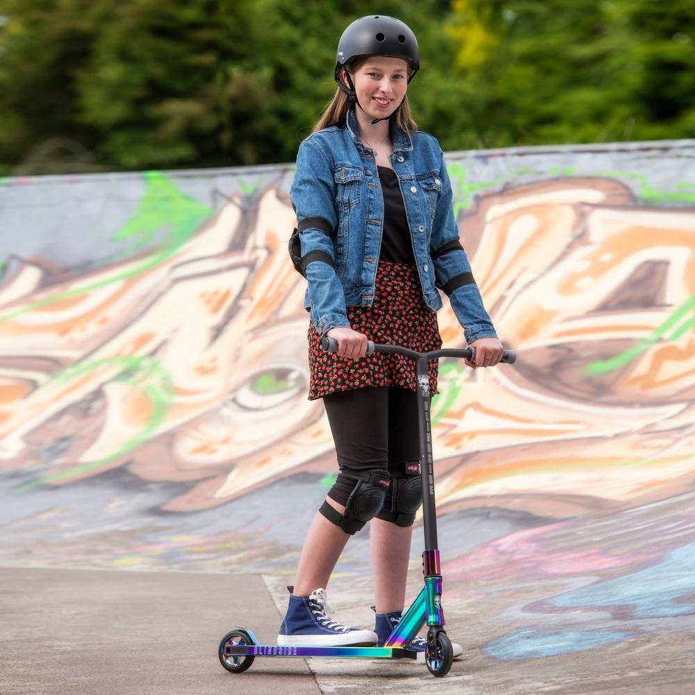 Blindside NEO Chrome Stunt Scooter   Smyths Toys UK